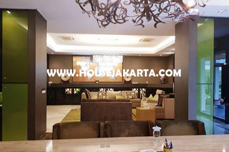 HS1016 Rumah Bagus 2 Lantai Jalan Diponegoro Menteng Dijual Murah Tanah Kotak Ada Pool