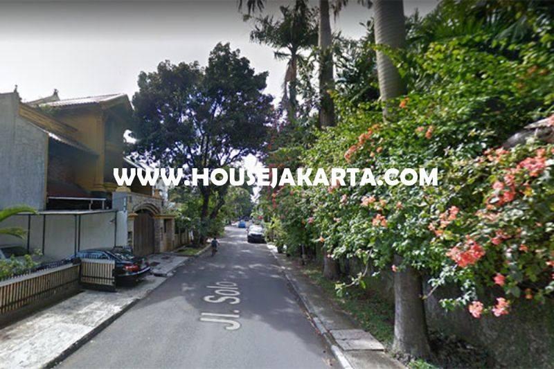 HS1062 Rumah Jalan Solo Menteng Tanah Kotak Golongan C Dijual Murah Daerah Tenang
