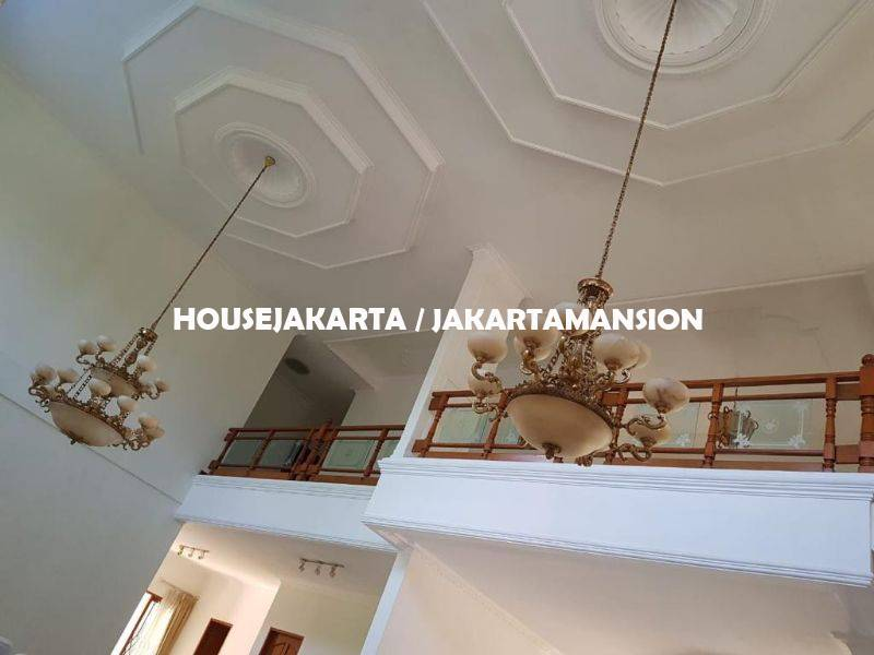 HR1072 House for rent Lease at Cilandak with Swimming Pool