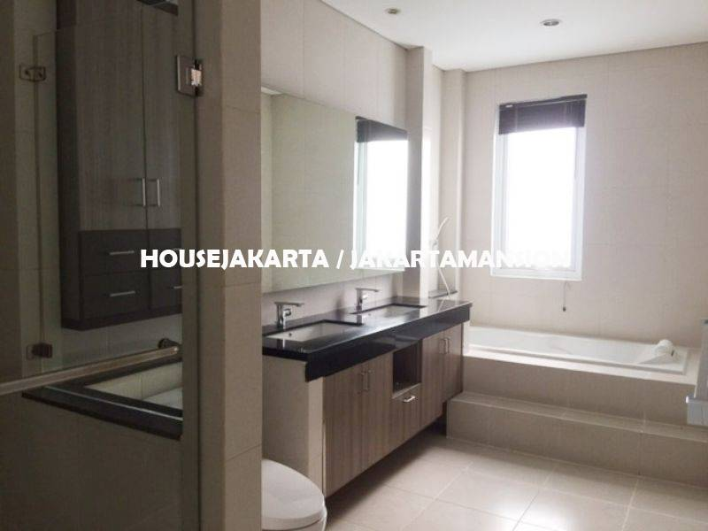 HR1132 Compound for rent sewa lease at kemang