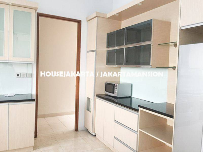 HR1133 Compound for rent sewa lease at kemang