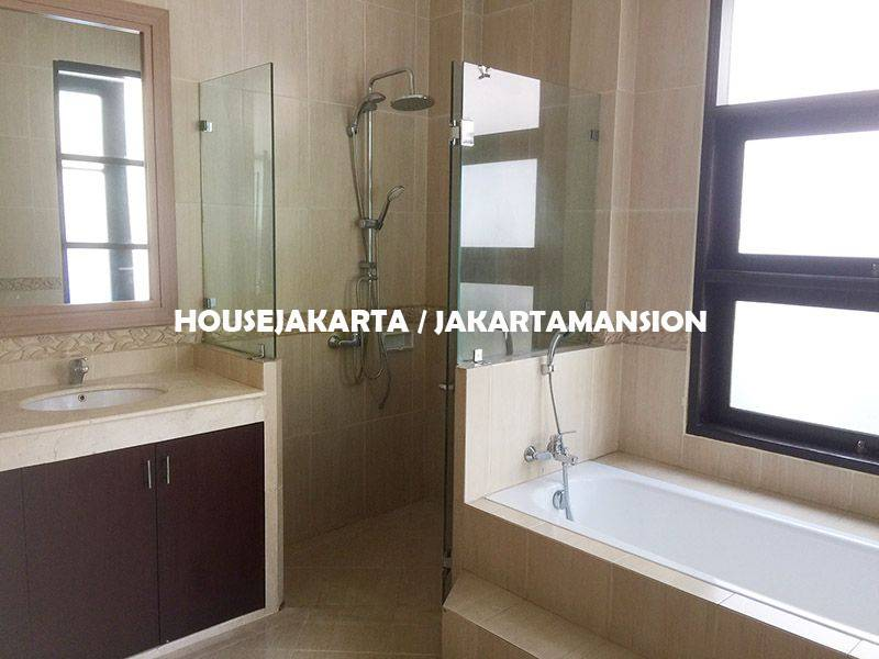 HR1147 House for Rent sewa lease at Bangka Kemang