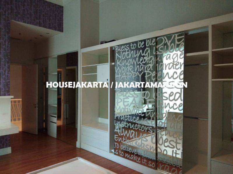 AR1237 TownHouse Pakubuwono Residence For Rent Sewa Lease