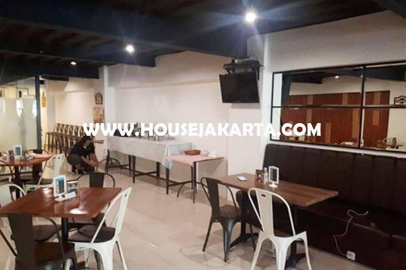 CS1266 Bangunan Gedung Komersial 3 lantai Jalan HOS cokroaminoto Menteng Dijual Murah dekat Sate Senayan