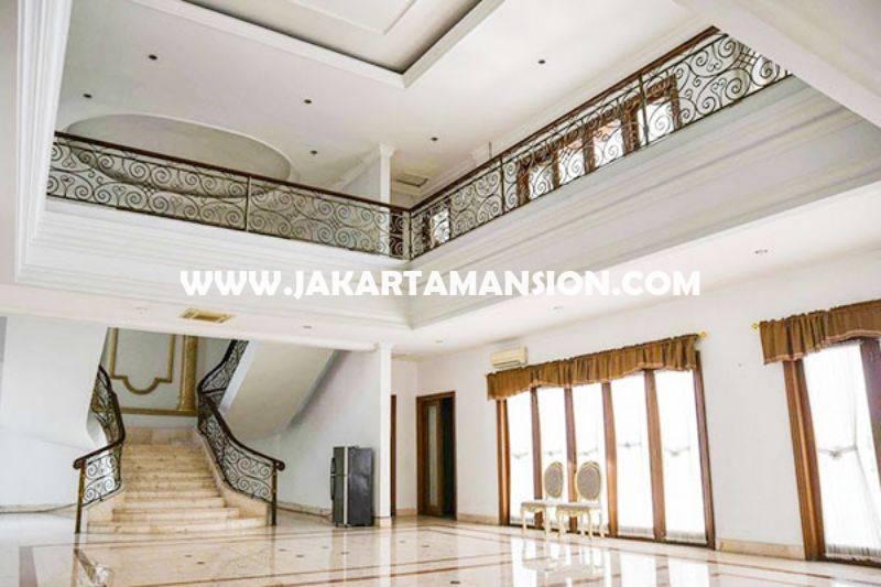 HS1300 Rumah Bagus 2 lantai Daerah Mega Kuningan Dijual Murah ada Basement dan Pool