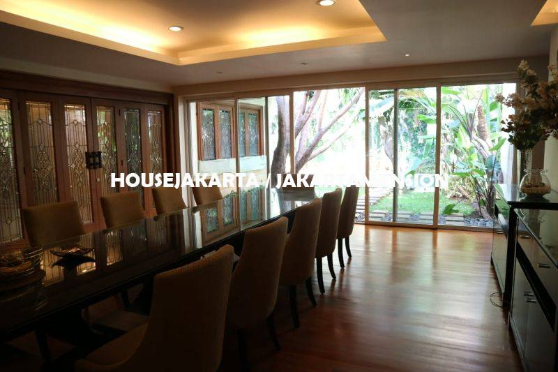 HR1308 House for rent at menteng
