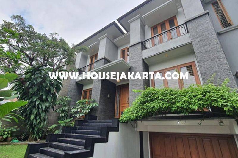 HS1400 Rumah Bagus 2 lantai Jalan Brawijaya Kebayoran Baru Dijual Murah 35M ada Pool