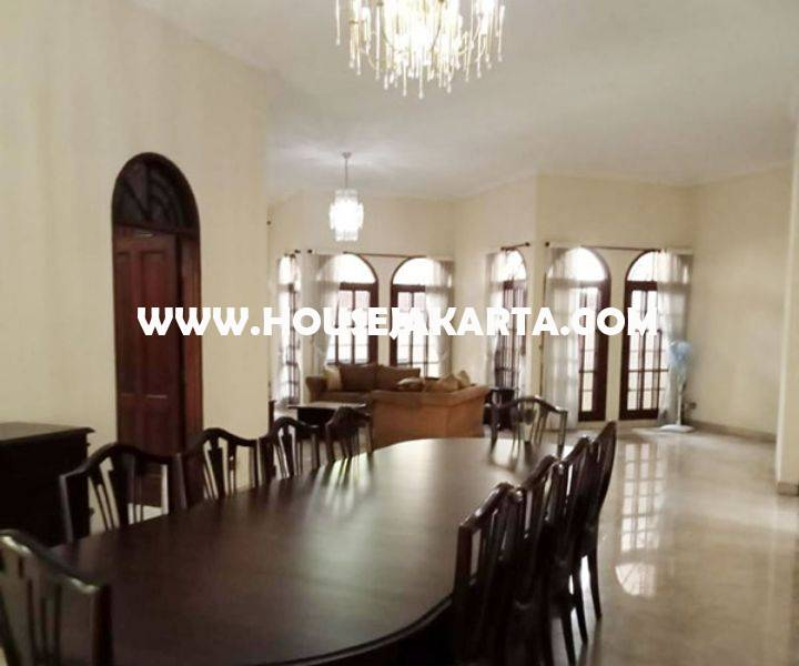 HS1480 Rumah Jalan Karang Asem Denpasar Mega Kuningan Dijual Murah Hitung Tanah