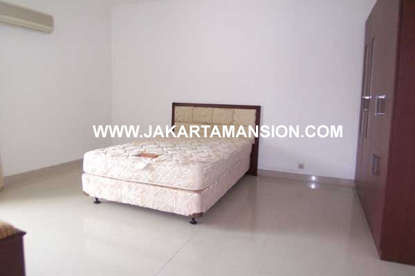 HR208 House at Kemang for Rent