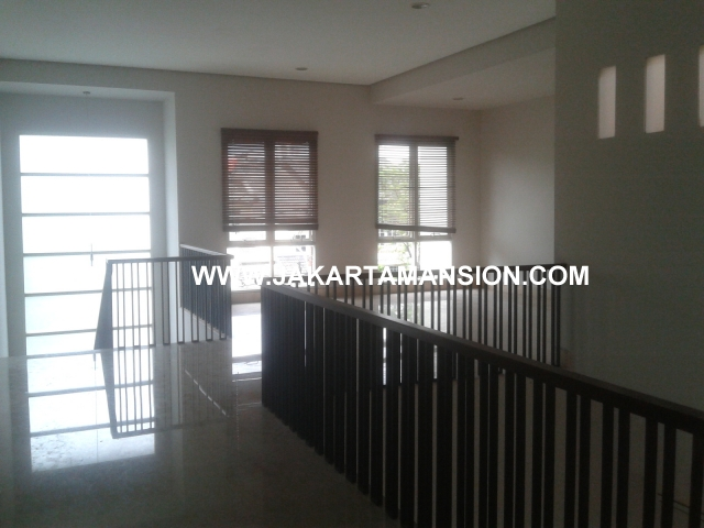 HR343 Quiet House in Senopati Area