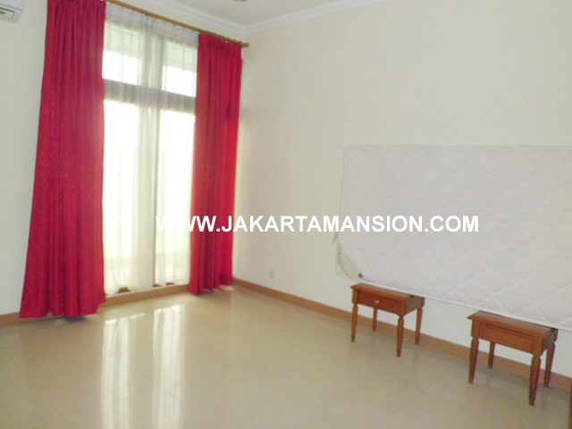 HR354 House for rent at taman patra kuningan