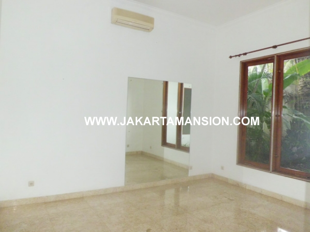 HR358 House for rent at kemang