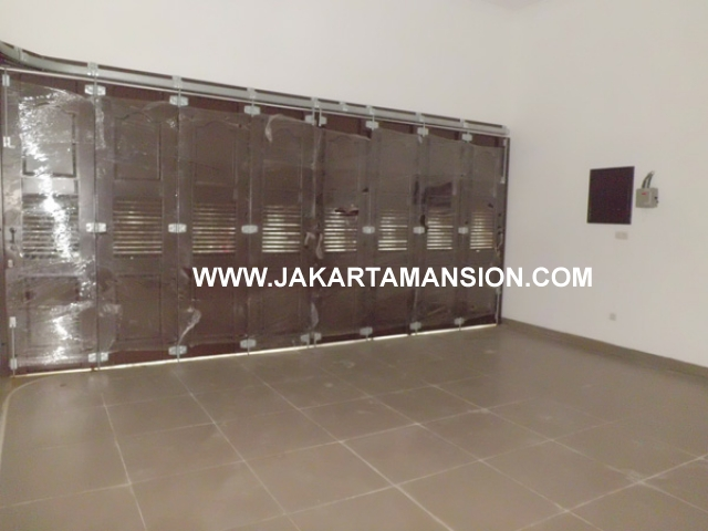 363 House for rent at taman patra kuningan