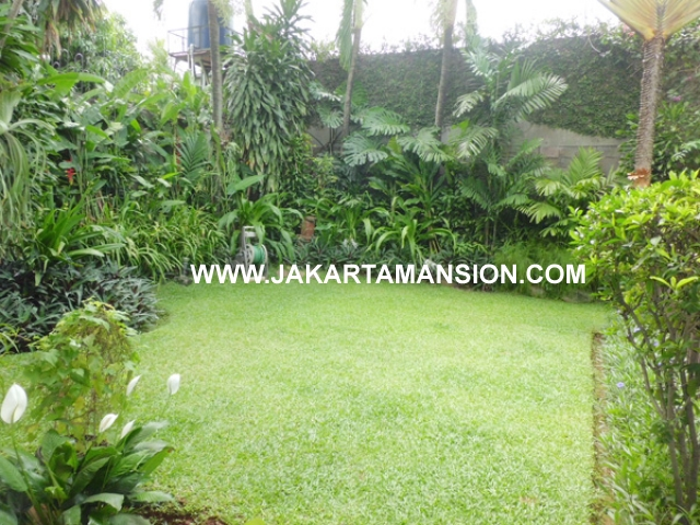 HR364 House for rent at kemang