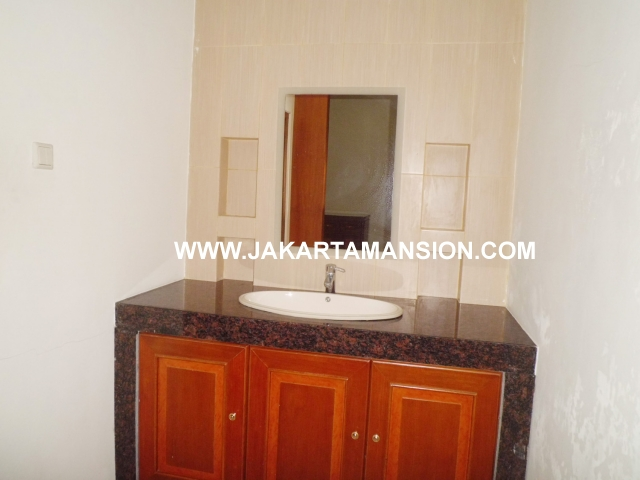 HR366 House for rent at senopati