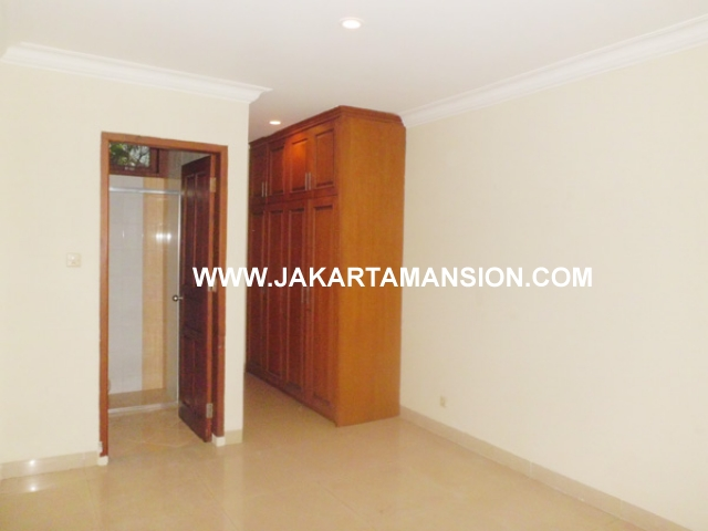 HR369 House for rent at patra kuningan