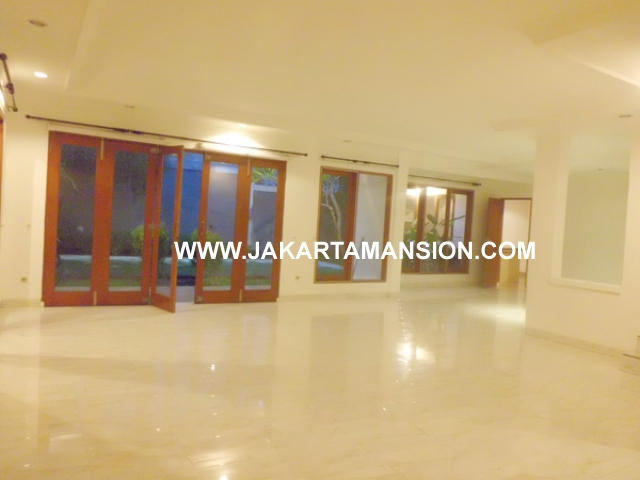 HR370 House for rent at patra kuningan