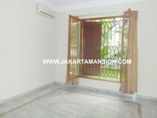 HR374 House for rent at senopati