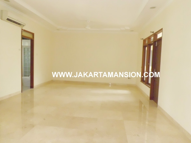 HR376 House for rent at kemang