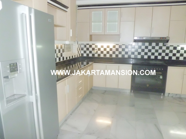 HR377 House for rent at Senayan Kebayoran Baru