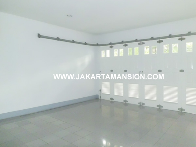 HR378 House for rent at Senayan Kebayoran Baru