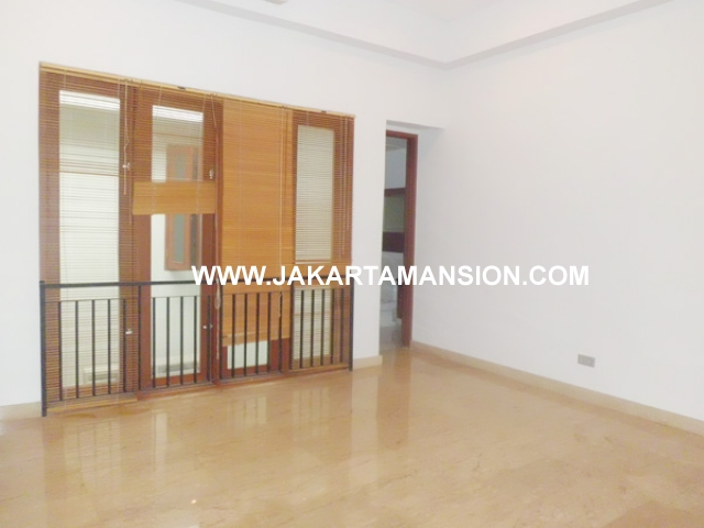 HR379 House for rent at kemang
