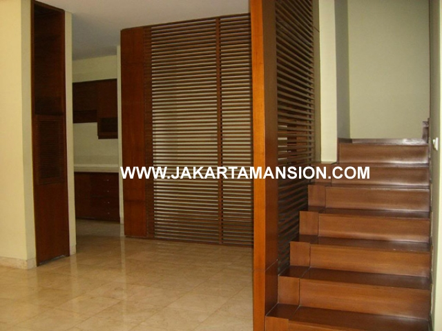 HR383 House for rent at kemang