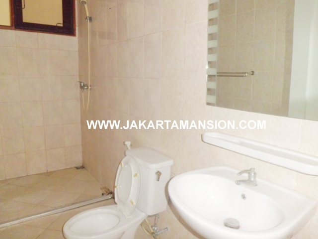HR384 House for rent at patra kuningan