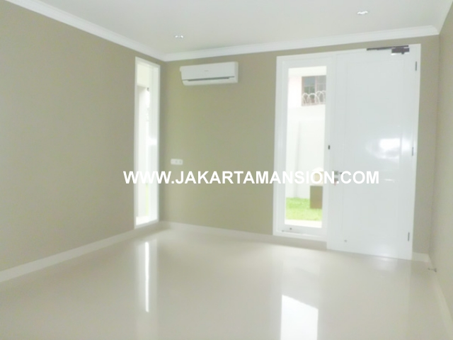 HR387 House for rent at kemang