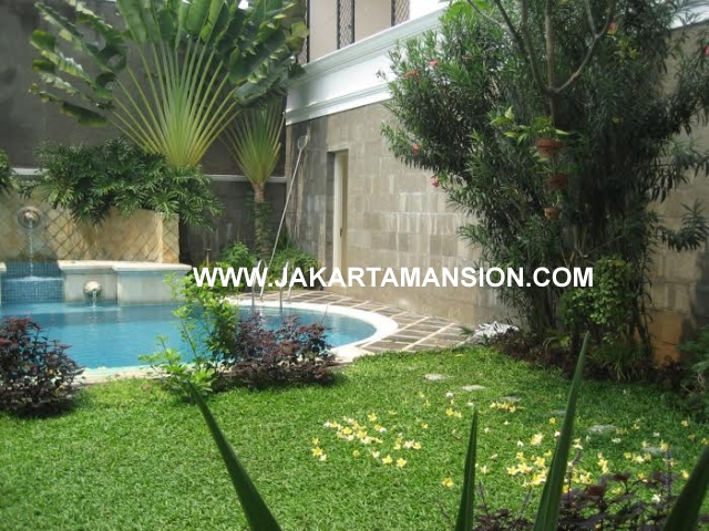 HR406 House for rent at Menteng