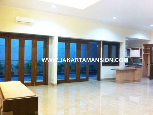 HR429 House for rent at Senopati Kebayoran Baru