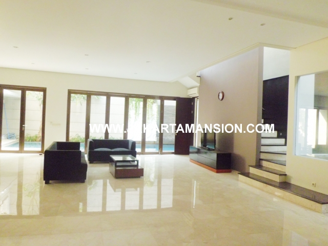 HR431 House for rent at Senopati Kebayoran Baru close to Sudirman Central Business District