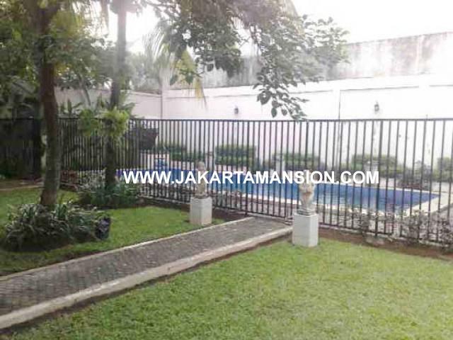 HS441 Rumah Kemang dengan Kolam Renang Dijual Murah