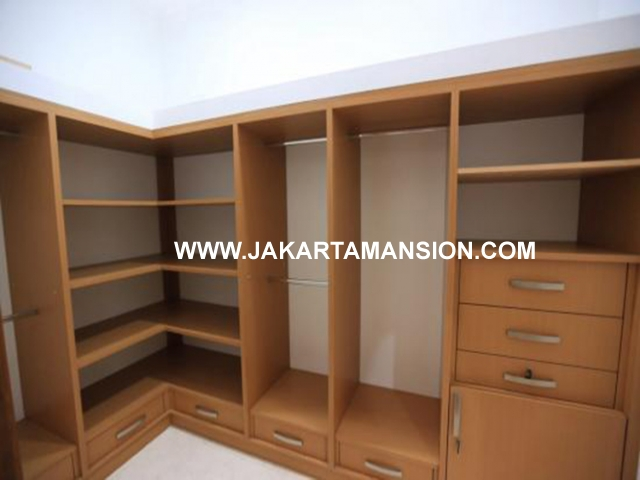 HR466 House for rent at Pondok Indah