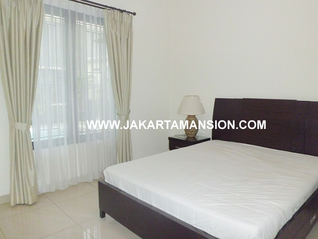 HR471 House for rent at Kemang