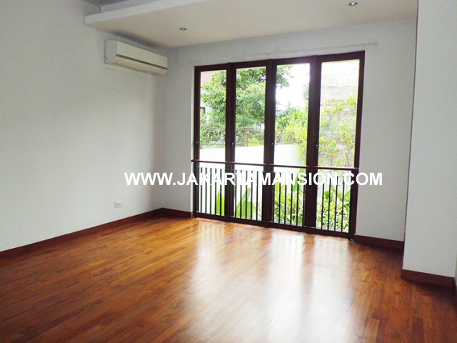 HR494 house for rent at kemang