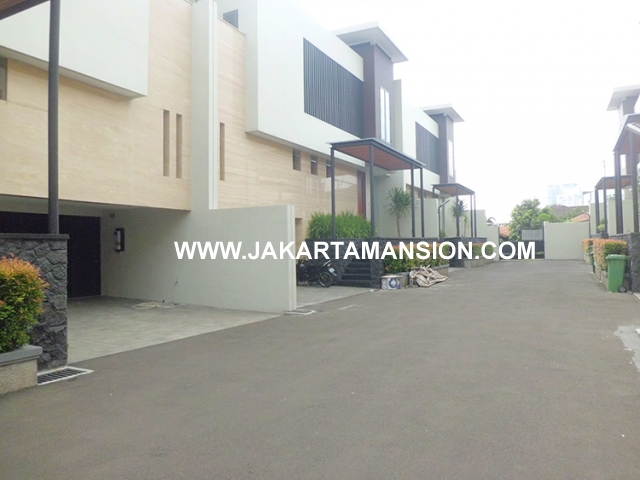 HR497 Compound for rent at Cipete
