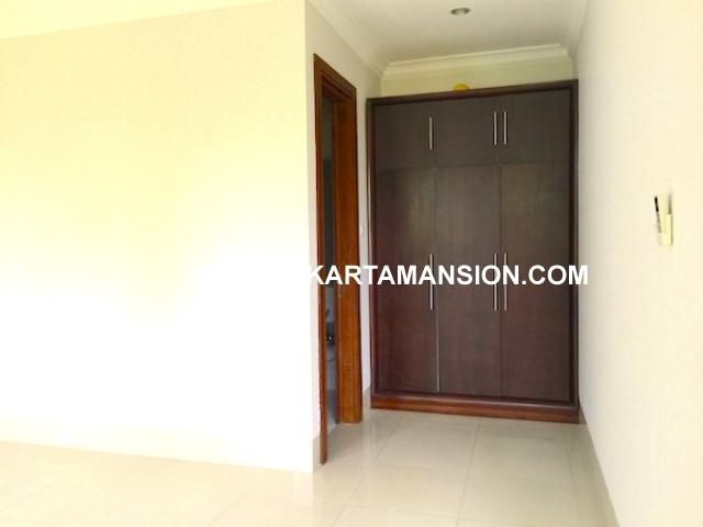 HR563 house for rent lease in kemang rumah disewakan di kemang