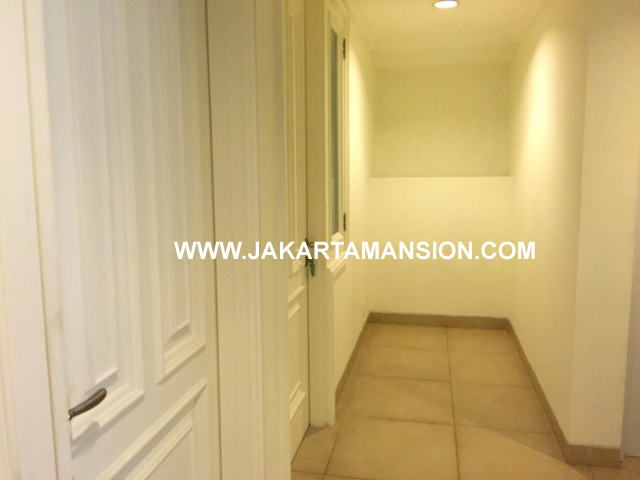 HR570 House for rent at Senayan Simprug