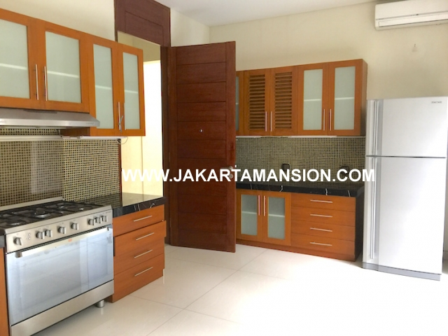 HR574 House for rent at senopati kebayoran baru for lease disewakan