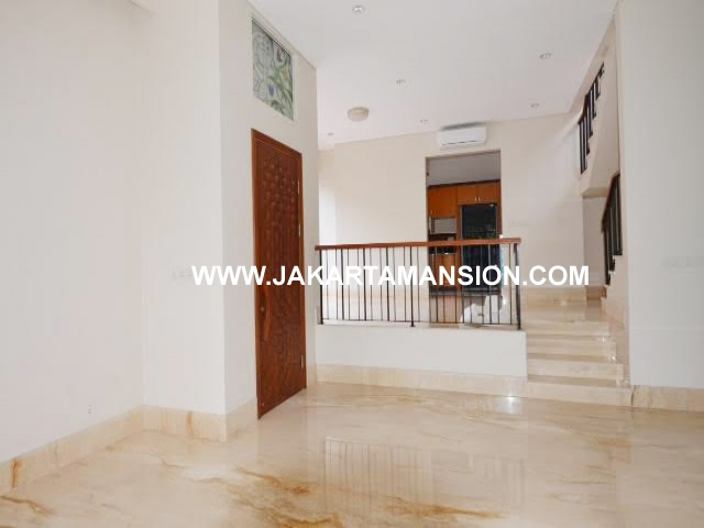 HR589 Townhouse for rent at Ampera close to kemang