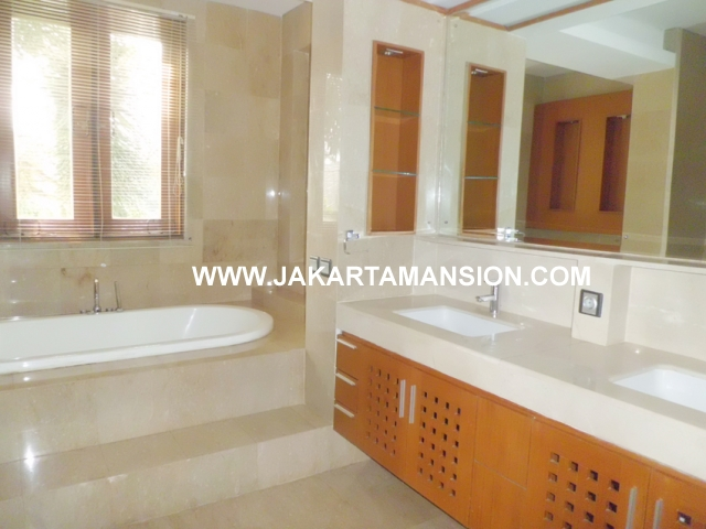 HR590 Compound for rent at Kemang