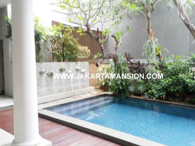 HS664 Rumah bagus jalan hanglekiu kebayoran baru dijual murah ada swimming pool dan Lift