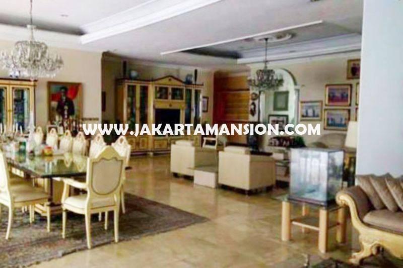 HS743 Rumah Jalan Teuku Umar Menteng Jakarta Pusat ada Pool Dijual Murah