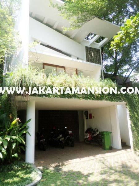 HR776 Compound House at Jatipadang For Rent Sewa Lease Wide Land and Green Area