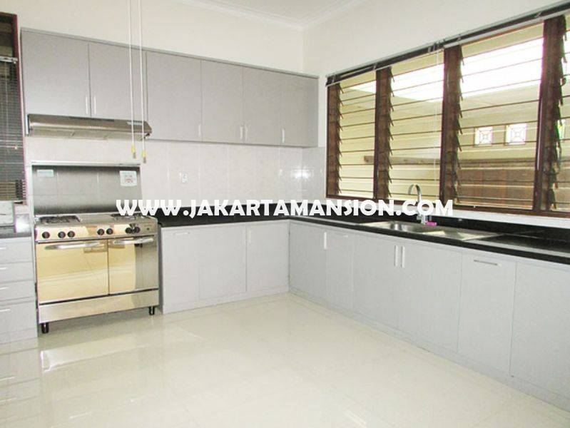 HR778 House for rent sewa lease at Senayan (Kebayoran Baru)