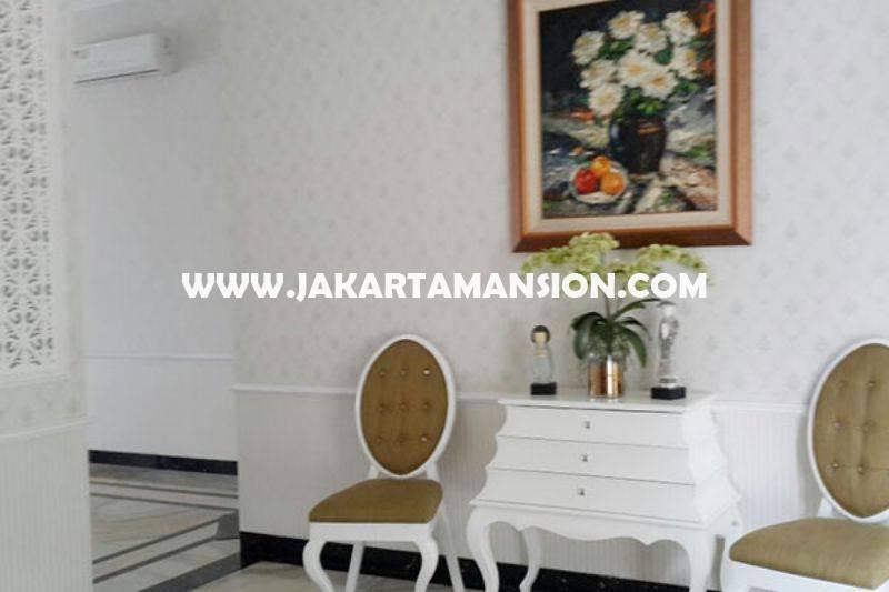 HS808 Rumah Brand New Jalan Agus Salim Menteng Fully Furnished Dijual Murah ada Pool