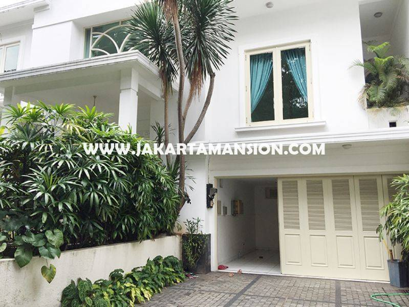 HR852 House for rent at at senopati (Kebayoran Baru) nice and save area, Close to SCBD ( sudirman central business district )
