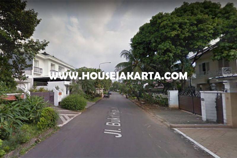 HS949 Rumah Jalan Bukit Hijau Pondok Indah 2 Lantai ada Pool Dijual Murah