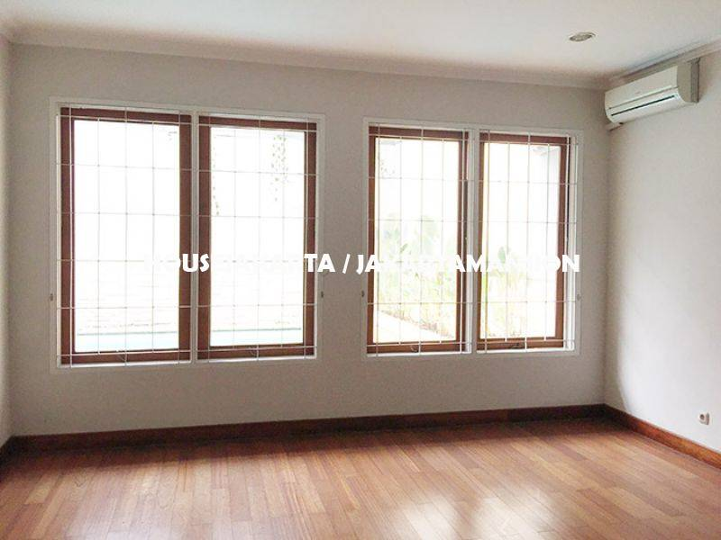 HR956 House for rent sewa lease at Pondok Indah